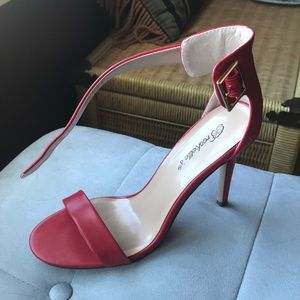 Breckelle's 7.5 Red Sydney-31 Rule Breaker Heel